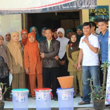 Training and Ceramic Filter Distribution in Wanasuka Garut